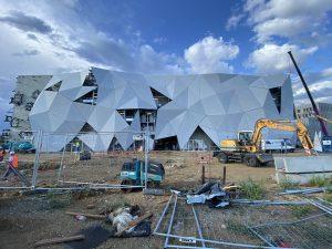 Construction d'un multiplexe à Cannes.